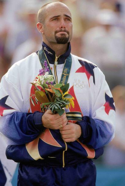 En los Juegos Olímpicos de Atlanta 1996 conquistó la medalla de oro lueg...