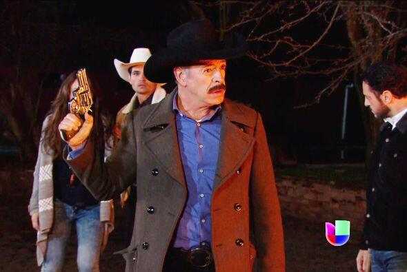 No soporta saber que eres la nueva dueña y por poco asesina a Diego.