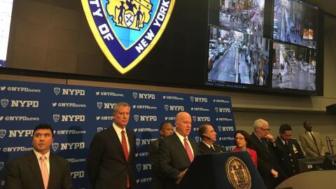 El comisionado de la policía de Nueva York, James O'Neill, encabe...