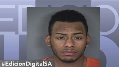 Identifican al sospechoso acusado de abrir fuego afuera de un bar en San Antonio