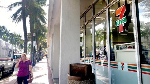 En la tienda de South Beach, en Miami, no hubo detenidos por ICE, pero l...