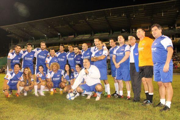 Aqui vemos la foto donde aparece todo el equipo. Cortesía: Nicolas Fries.